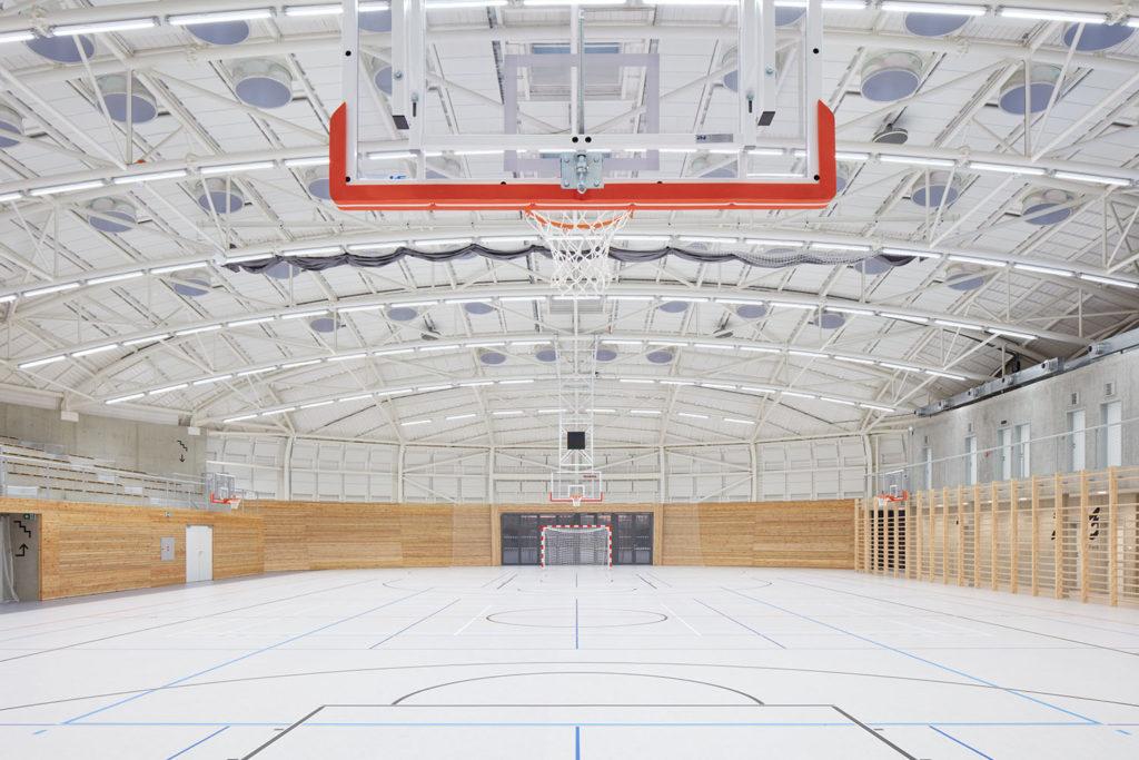 sportovní hala dolní břežany interier